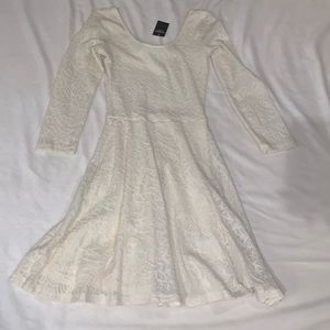 Light cream lace Abercrombie & Fitch dress